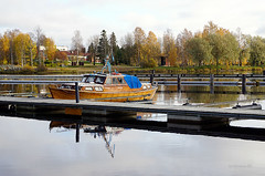 Joensuu - Finland (Sami Niemelinen (instagram: santtujns)) Tags: city colors suomi finland river boat colours north autumm joensuu syksy vene joki karjala kaupunki carelia vrit pohjois pielisjokis