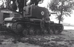 Captured KV-2 in the Wehrmacht. Were mostly used as self-propelled howitzers under the designation Pz.Abt.zBV.66