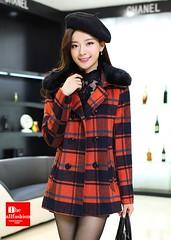 CC-0020 – เสื้อโค้ทกันหนาวลายสก๊อตสีแดงส้มผ้าวูลเกรดเอประดับปกขนเฟอร์สีดำหรูหราสวยมากค่ะ