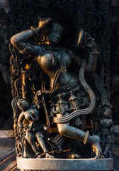 Darpana Sundari (Padmanabhan Rangarajan) Tags: light india architecture temple golden dancers kingdom hinduism belur hoysala danceuse chennakesava