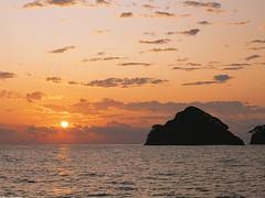 Sunset Coast of Baja Mexico Wallpaper (hypesol) Tags: naturewallpaper skywallpaper sunsetwallpaper mountainwallpaper seawallpaper cloudswallpaper maxicowallpaper redskywallpaper