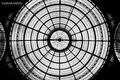 Galleria Vittorio Emanuele II (Florian Krpfl) Tags: milan milano italy italien italia canon canon6d contrast black blackwhite white interrail clarity symmetry architecture architektur art building travel