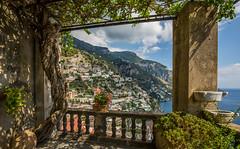 Italia / Italy / Italien: Positano (CBrug) Tags: italia italy italien kampanien campania positano landschaft landscape outdoor rahmen frame framed aussicht view terrasse terrace