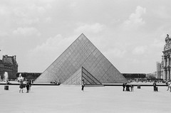 Pyramid (Davey Psychotronic) Tags: paris louvre pyramid olympus om1 film architecture plain glass france pyramide museum ilford400