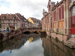 Colmar, France (Shaun Smith-Milne) Tags: colourfulbuildings frencharchitecture alsacelorraine frenchcanal canal france colmar