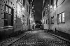 _DSC8572 (Simsekphoto) Tags: stockholm oldcity nightshot outdoor house light street sweden photography nikon nice