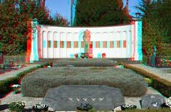 Herdenkingsmonument bij het massagraf in Montfort in 3D. (wimjee) Tags: nikon d7200 herdenkingsmonument massagraf massgrave montfort nederland tweedewereldoorlog wwii memorial secondworldwar 3d stereo anaglyph roodcyaan redcyan stereophotomaker