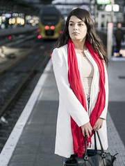 Nathalie, Amsterdam 2016: Waiting on the train (mdiepraam) Tags: nathalie amsterdam 2016 centraal station platform portrait pretty beautiful elegant dutch brunette girl naturalglamour scarf bokeh bag