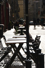 strong light (Hayashina) Tags: bordeaux shadow table chair repetition france light