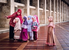 The Girl With The Bow (Trent's Pics) Tags: kids mosque istiqlal istiqlalmosque islam muslim children students teacher indonesia jakarta girls