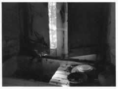Neatly abandoned (Mark Dries) Tags: markguitarphoto markdries darkroomprint kodakretina1a ilford mgiv 35mm xenar 50mm f35 abandoned