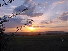 Sonnenuntergang - sunset (Jorbasa) Tags: sunset sun germany landscape deutschland sonnenuntergang hessen landschaft sonne geotag taunus flugplatz airfield badnauheim wetterau jorbasa flugplatzobermrlen