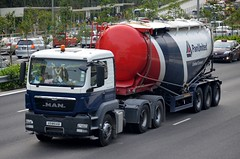 Pan-United Concrete MAN TGS 26.400 Bulk Cement Tanker Truck (nighteye) Tags: man truck singapore tanker tgs 26400 bulkcement panunitedconcrete xd8514b