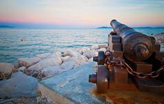le Canon de Navarone... (Olivier Thirion) Tags: mer port plage nikond3 olivierthirion nikon24120f4 olivierthirion canondenavarone