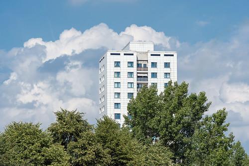 Hochhaus an der Landsberger Allee Foto: Ole Bader