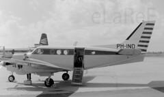 PH-IND Beech King Air A90 c/n LJ-285 (eLaReF) Tags: cn king air beech gatwick a90 phind lj285