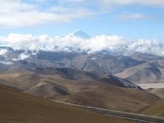 "Retour vers Shigatse: belle vue sur l'Everest <a style=""margin-left:10px; font-size:0.8em;"" href=""http://www.flickr.com/photos/127723101@N04/22326002726/"" target=""_blank"">@flickr</a>"
