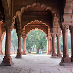 Les arches du fort rouge (Ye-Zu) Tags: red india delhi inde worldtour fortrouge tourdumonde