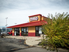 Look a Popeyes! Oh wait... (Nicholas Eckhart) Tags: columbus ohio usa retail america dead us closed mexican vacant oh express former popeyes stores buckeyes friedchicken tacobell 2015 chickenbiscuits zantigo