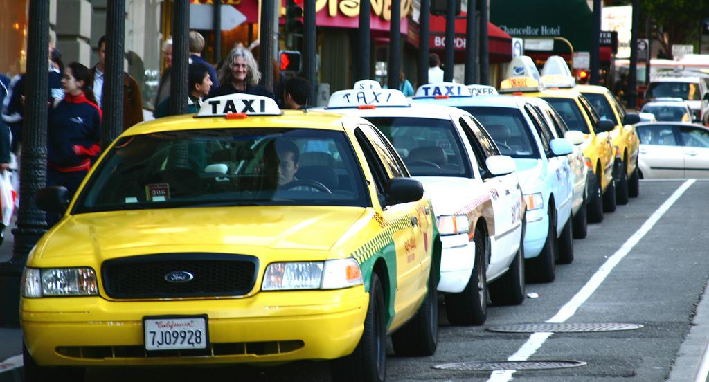 dich-vu-taxi