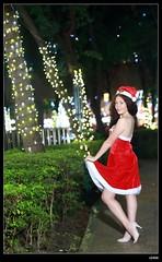 nEO_IMG_DP1U6724 (c0466art) Tags: christmas city light portrait reflection girl rain night canon garden photo big amazing colorful pretty view julia outdoor gorgeous event lamps charming russian celebrate decroration 1dx banchao c0466art