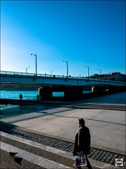 Ballade sur les quais du Rhne (nobru2607) Tags: lyon 28mm streetphotography ricoh grd3 grdiii