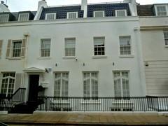 P1390205 (londonconstant) Tags: lodonconstant costilondra promenades streetscapes architecture london