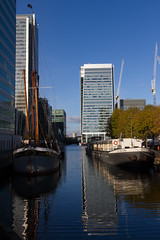 Autumn on the Wharf 13th Nov (26 of 37) (johnlinford) Tags: autumn boat canarywharf canon canonefs1022 canoneos7d docklands e14 landscape london towerhamlets urban urbanautumn yacht