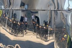 Getting Ready for Lunchtime (Vanilla55555) Tags: düsseldorf spiegelung spiegelungen gebäude medienhafen zeigen zeiger