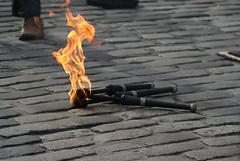 Edinburgh Festival Fringe (Secondcity) Tags: edinburghfestivalfringe edinburgh royalmile highstreet streetperformer flame