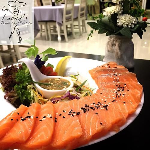 Sashimi Siam, at Laong's  #jomtien #jomtienbeach #laongs #bistro #fusionfood #อาหารไทย #sashimi #pattaya