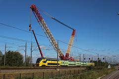Breukelen 23-9-2016 (Jagd1sitzer) Tags: kraan crane mammoet breukelen tennet virm ns trein train kleurrijk