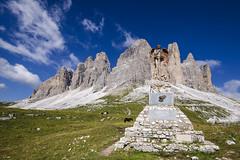 Bersaglieri memorial (Fred van Bergeijk) Tags: mountains italy dolomites archangel michael statue monument war worldwar border gras horses drei zinnen chapel marksmen
