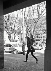 Al viento (carlos_ar2000) Tags: viento wind pelo hair chica girl mujer woman bella beauty sexy calle street linda pretty gorgeous puertomadero buenosaires argentina