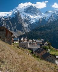 Le Chazelet (1800m) et la Meije (3984m) (Pierrotg2g) Tags: montagne mountain paysage landscape alpes alps nikon d90