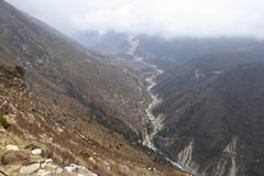 Blick zurck..., leider mit Nebel (Alfesto) Tags: nepal trekking wanderung hiking himalaya namche khumbuarea sagarmathanationalpark tengboche phorche phortse pangboche