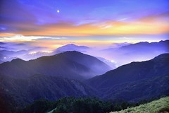 合歡山主峰~日落之後....~ After Sunset (Shang-fu Dai) Tags: 台灣 taiwan 合歡山 主峰 3417m sunset hehuan nikon d800e mt 夕陽 landscape 戶外 formosa 天空 雲彩 火燒雲