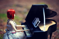 Symphony in the Forest ( Lily Queens ) Tags: queenie red momoko kid blue strawberry sekiguchi doll