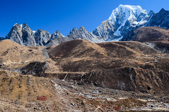 Mighty landscape. Gokyo (Laura Jacobsen) Tags: everest everestbasecamptrek everesttrek gokyo nepal solukhumbu trekking