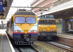 Belgium vs The Netherlands (sander_sloots) Tags: station maastricht break 1700 serie alstom engine locomotief am80 nederlandsespoorwegen nmbs sncb