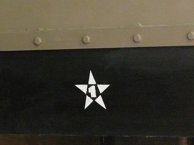 merkava_4_eurosatory_2010_chassis_detail_insigne
