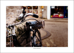 Bakewell bicycle (Descended from Ding the Devil) Tags: bakewell dof derbyshire beyondbokeh bicycle bokeh depthoffield photoborder selectivefocus pinkfloyd