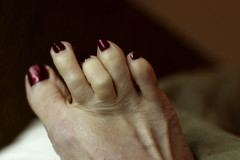 329/366 Unique Talent: Waving Third Toe (ruthlesscrab) Tags: wah werehere hereios 366the2016edition 3662016 day329366 24nov16 unique talent