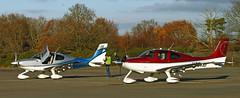 CIRRUS SR22 N53LG, N89NB (BIKEPILOT) Tags: blackbushe eglk airport airfield aerodrome aircraft aeroplane aviation flying hampshire uk greatbritain cirrus sr22t n53lg cirrussr22 n89nb