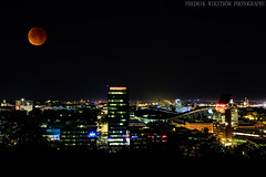 Bloodmoon (fredrikwikstrm) Tags: city night canon lights sweden gothenburg bloodmoon goteborg 5dmk3