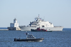 USS Milwaukee Arrives (boni5d) Tags: dedication boat ship navy lakemichigan milwaukee christening launch portofmilwaukee historicevent ussmilwaukee