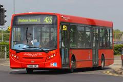 SN60 EAY, London Heathrow, May 15th 2015 (Southsea_Matt) Tags: bus londonheathrow londonunited enviro200 route423 dle2 sn60eay