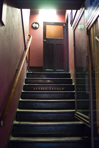 "This way to the Lustre Lounge • <a style=""font-size:0.8em;"" href=""http://www.flickr.com/photos/52083013@N03/23708892889/"" target=""_blank"">View on Flickr</a>"