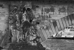 Navegando por el Sena 1 (CarlosJ.R) Tags: francia pars puente sena