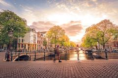 Grachtengordel, Amsterdam (tommyferraz) Tags: amsterdam night evening sunset canals grachten grachtengordel dutch architecture buildings light colors windows holland